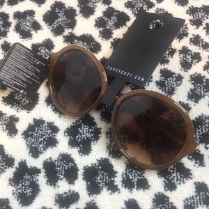 Brown round lenses sunglasses 🕶